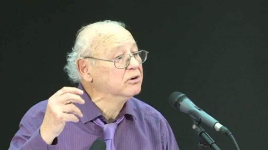 Décès de Paul Boccara : « Il laisse un immense vide mais aussi une œuvre considérable » (Pierre Laurent)