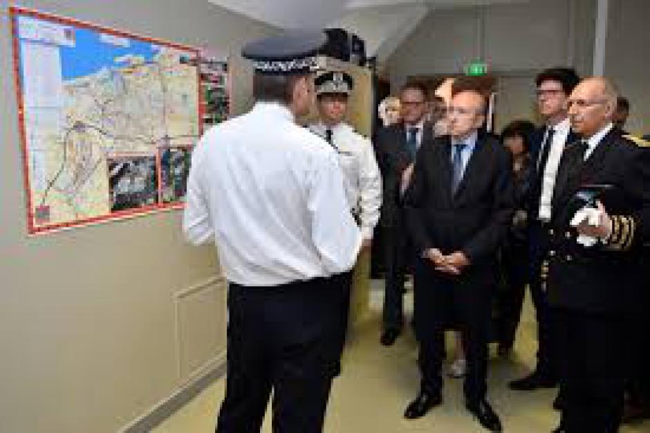 Visite de Gérard Collomb à Calais :